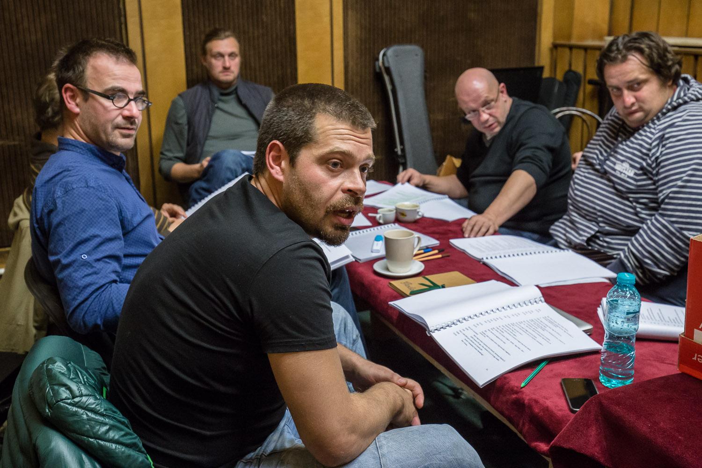 Trupa Tamási Áron a început repetiţiile la spectacolul Bani din cer