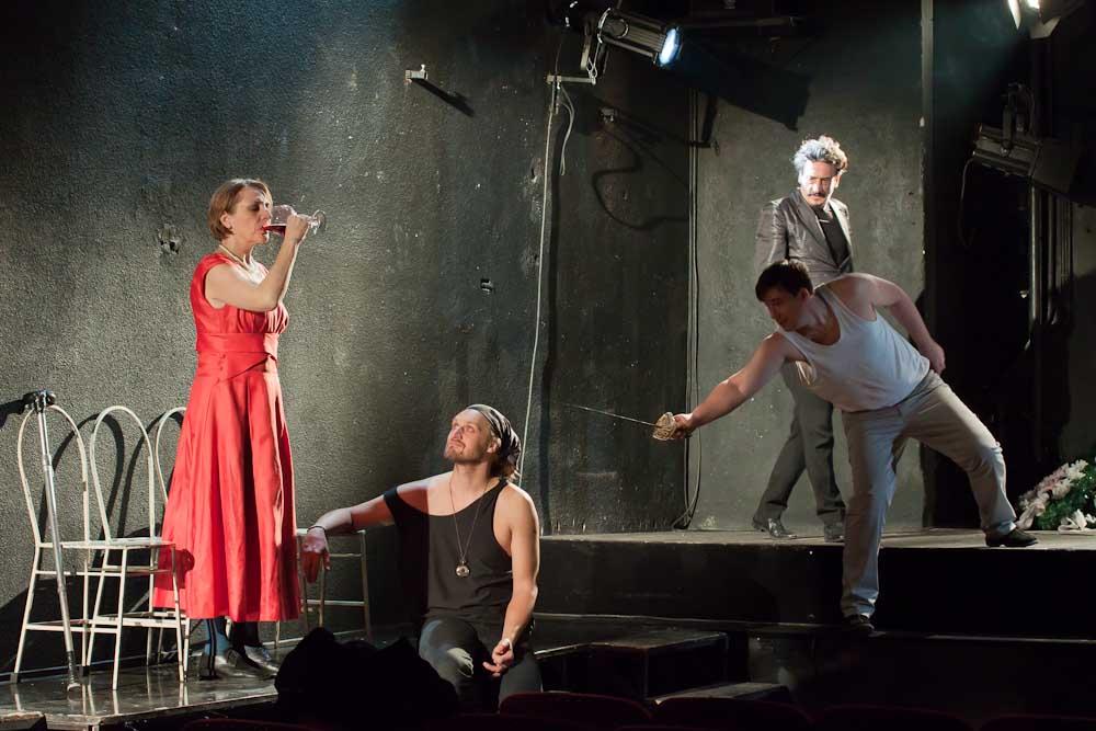 A Hamlet című előadásunkat közvetíti a Román Televízió