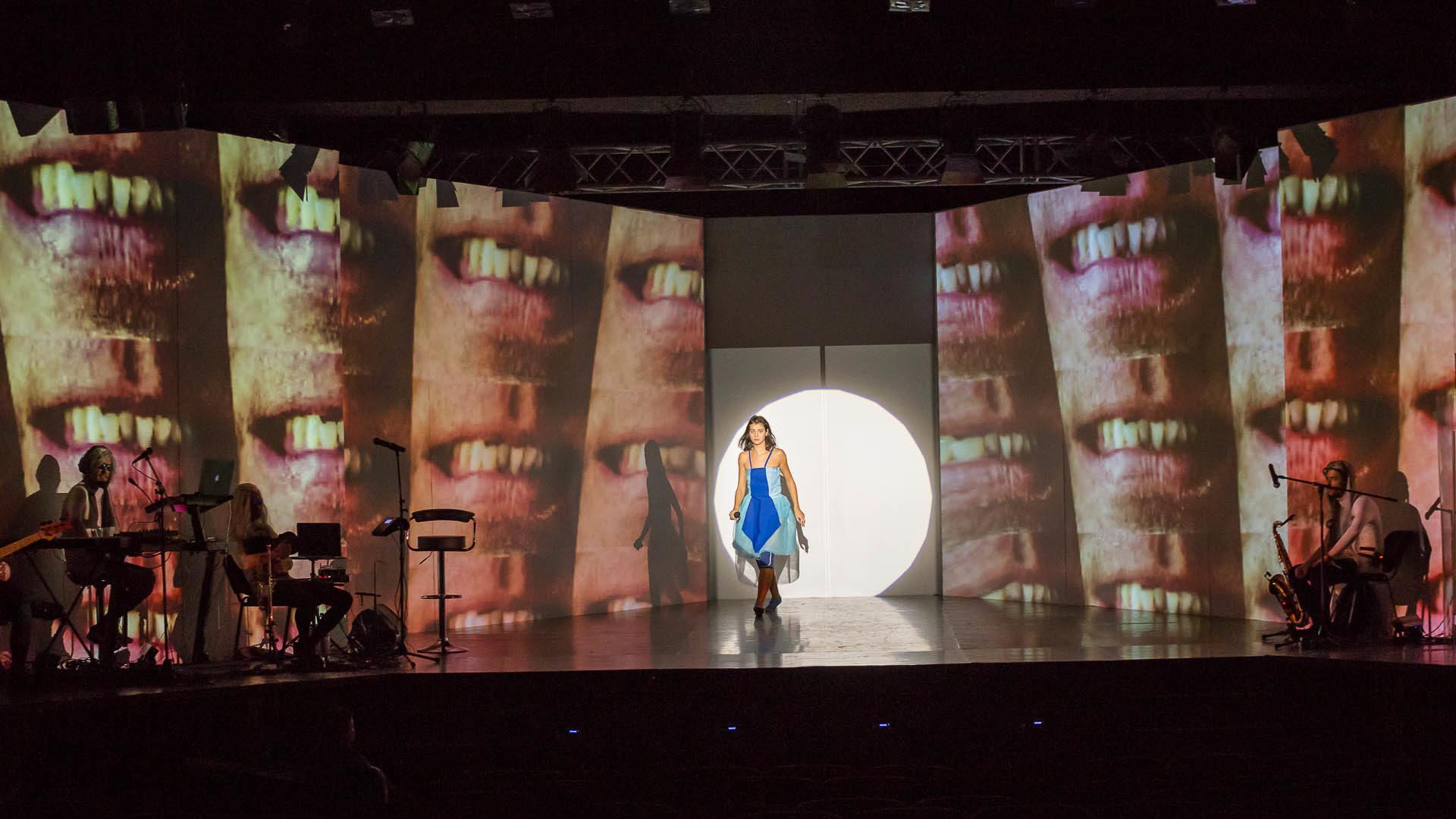 Alice îşi continuă călătoria pe scena Operei Maghiare din Cluj-Napoca